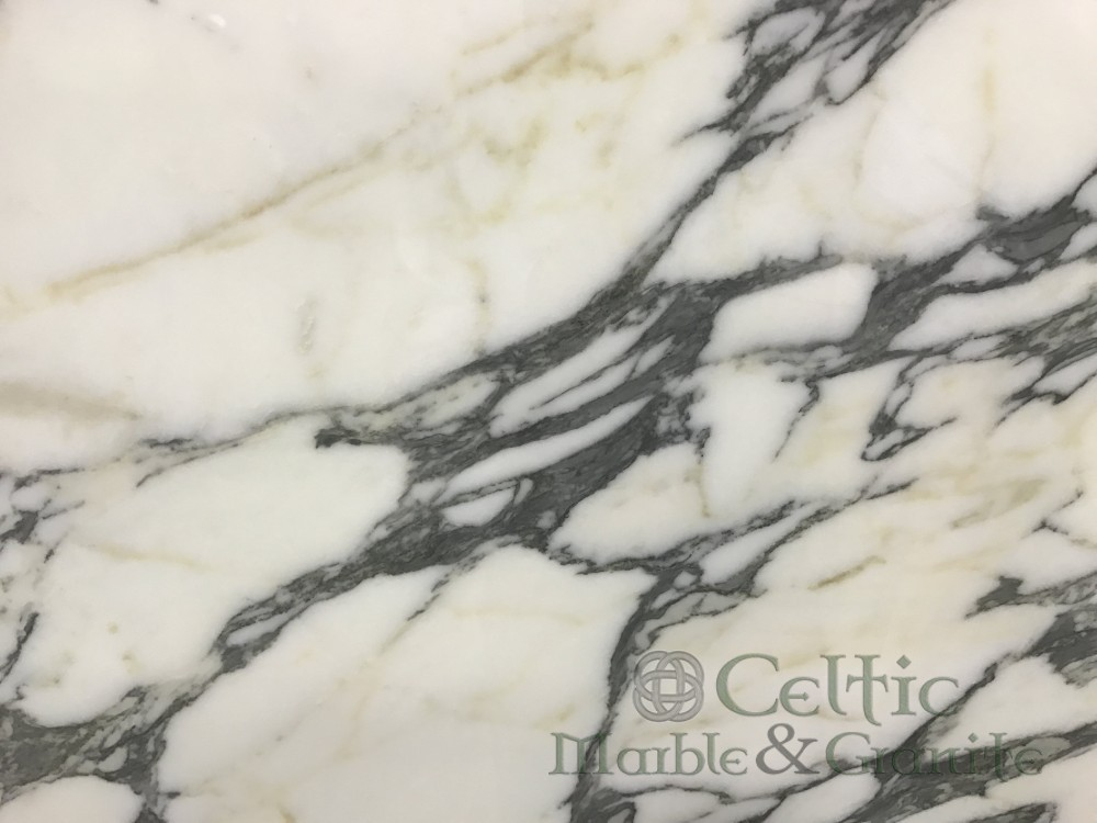 Marble – Calacatta Corchia close-min