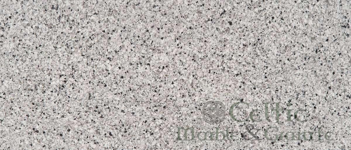 pearl-gray-quartz-closeup